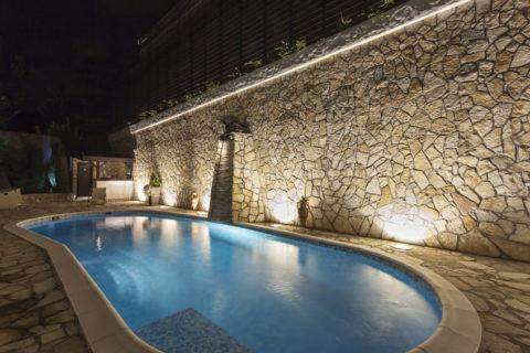 constructeur piscine moderne perpignan Pyrénées Orientales dans le 66